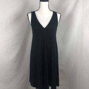 H&M basic black V neck  dress size medium
